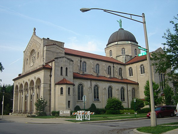 Ascension Catholic Church in Oak Park, Illinois (708 848-2703)