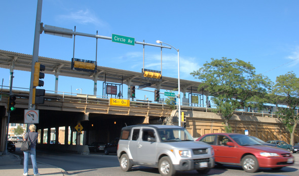 "The ""Green Line"" stop at Harlem Avenue in Oak Park, Illinois"