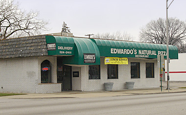Edwardo's Natural Pizza in Oak Park, Illinois