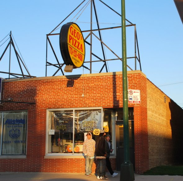 Geo's Pizza in Elmwood Park, Illinois