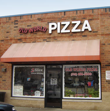 Old World Pizza in Elmwood Park, Illinois
